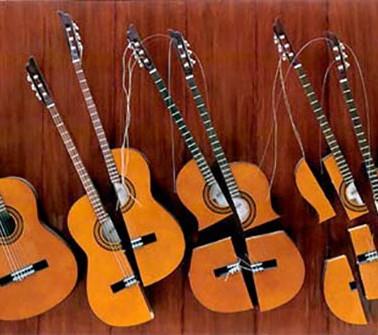 Guitares cassées