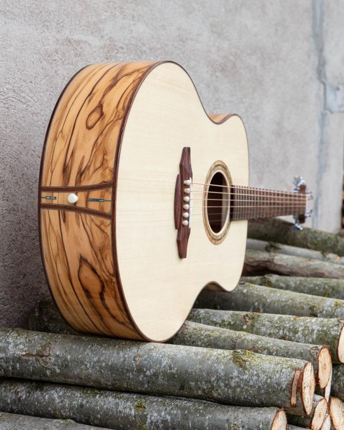 Guitare acoustique - Guitare folk - Détail de la table d'harmonie