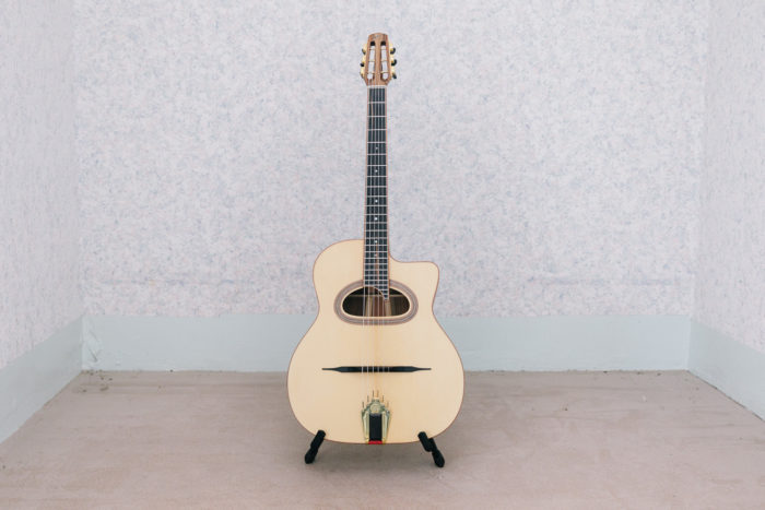 Guitare acoustique - Guitare jazz manouche