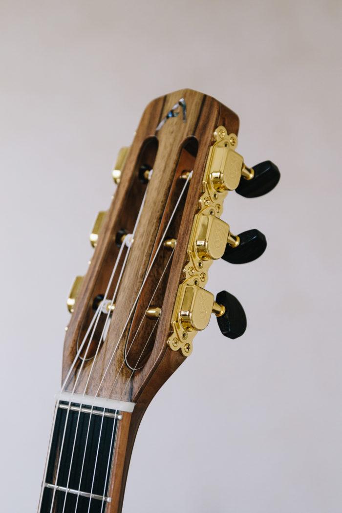 Guitare acoustique - Guitare jazz manouche - Détail tête et mécanique Selmer