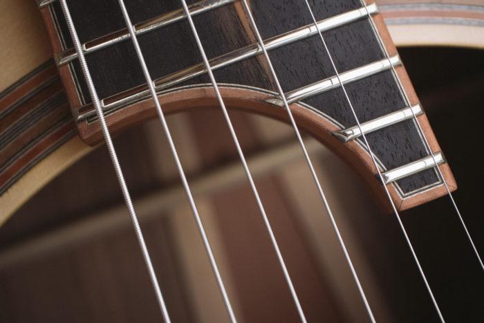 Guitare acoustique - Guitare jazz manouche - Détail haut de manche