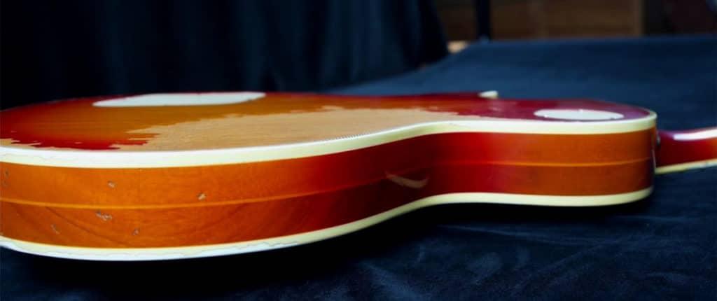 Gibson Les Paul des années 1970 avec le corps 'sandwich'