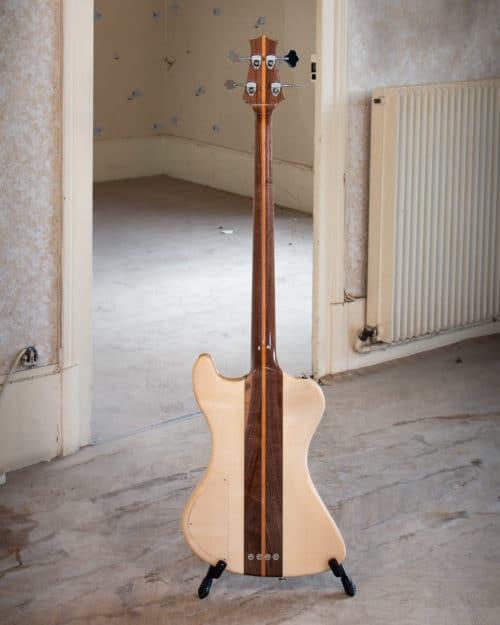 Bass guitar - Acoustic guitar
