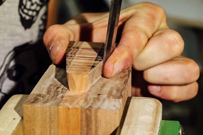 Travail de Luthier - assemblage corps et manche
