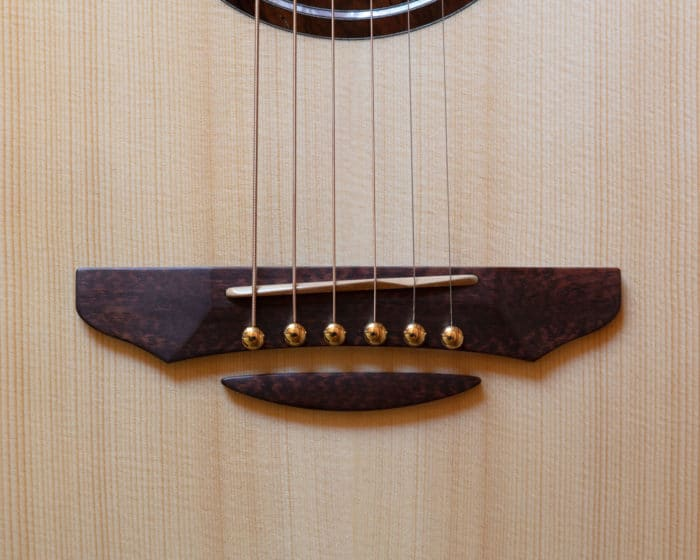 Guitare acoustique - Guitare folk - Chevalet en amourette