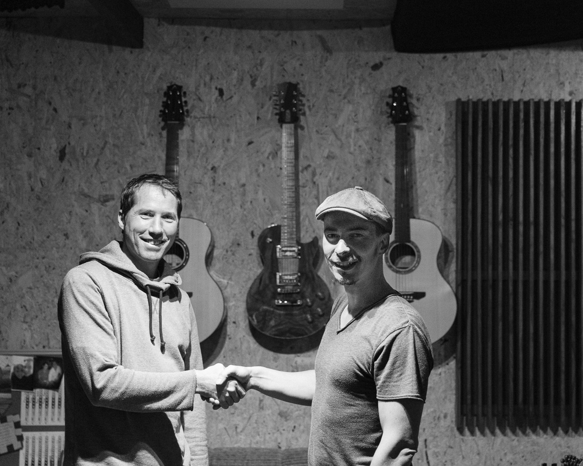 Endorsement - Nico Sarro - Luthier