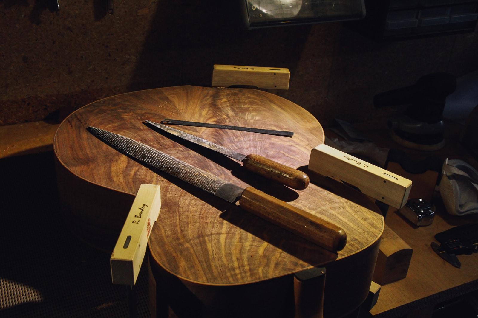 Outils de luthier - formation luthier guitare