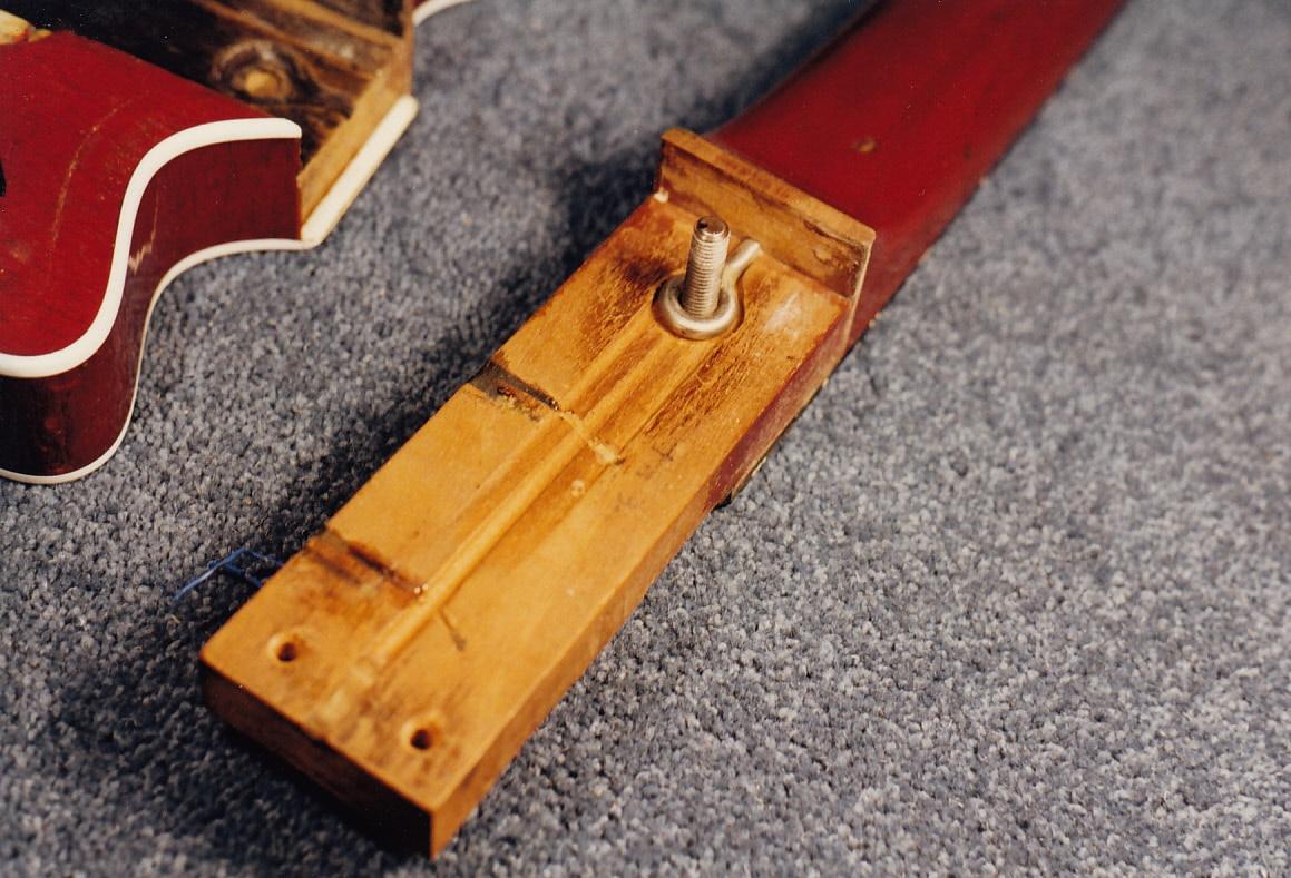Manche de l'instrument du guitariste de Queen